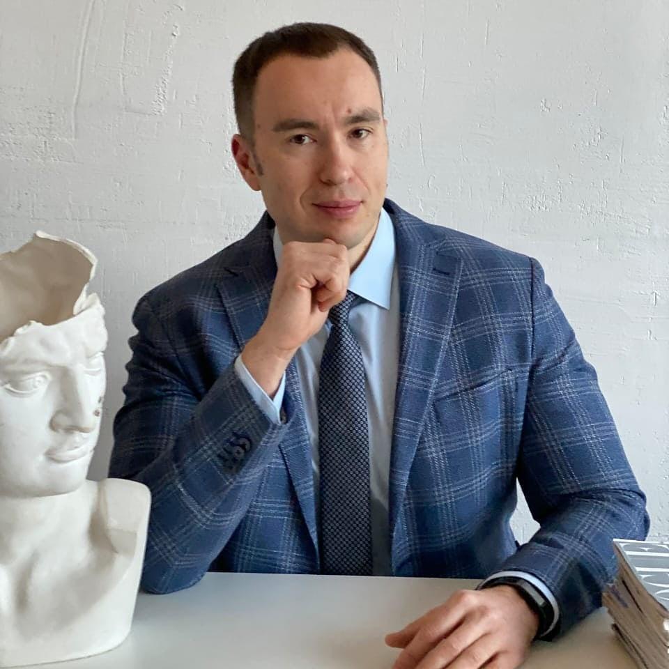 ШЕЛКОВЫЙ ПУТЬ —  Артур Панов — пластический и реконструтивный хирург