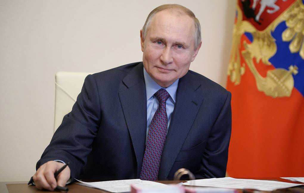 В. Путин завершил послание Федеральному собранию