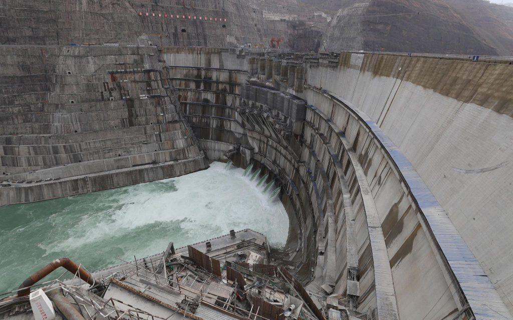 Новая китайская ГЭС «Байхэтань» начнёт работу в июле этого года