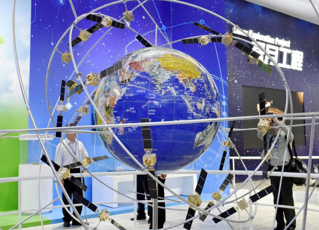 В Синьцзяне пасут скот, не выходя из дома с помощью спутниковой навигационной системы Beidou