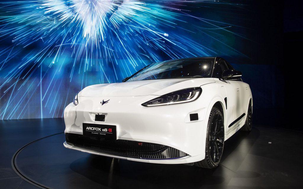 Huawei и BAIC BJEV совместно запускают роскошные смарт-автомобили