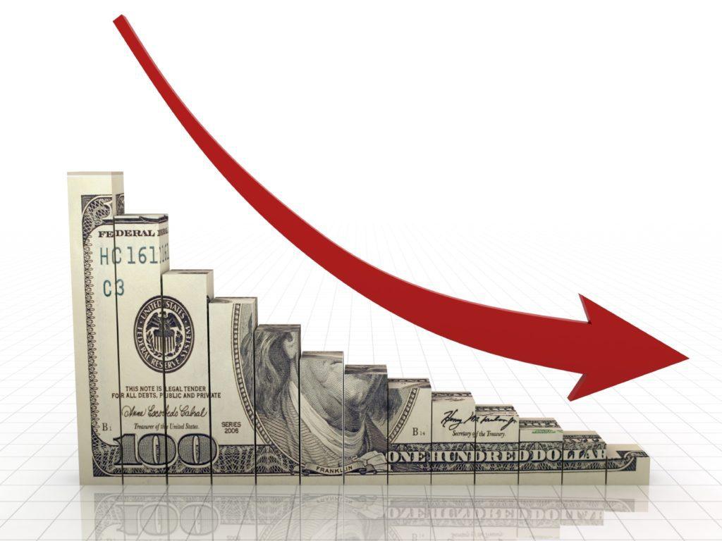 Доля доллара в расчетах за российский экспорт впервые упала ниже 50%