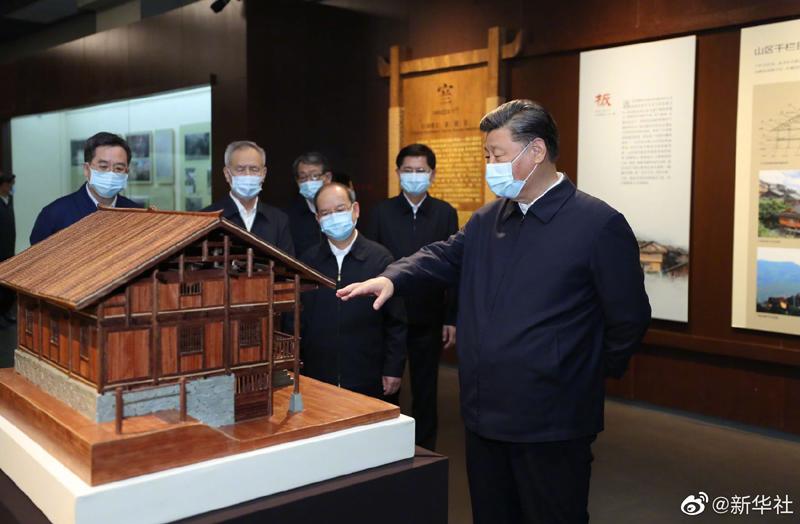 Си Цзиньпин находится с инспекцией в городе Наньнин Гуанси-Чжуанского АР