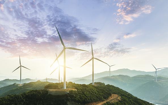 ВЭФ оценил энергетическую трансформацию Китая за 10 лет