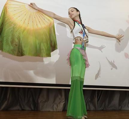 В Петербурге в 14-й раз проводится конкурс среди школьников «Китайский мост»