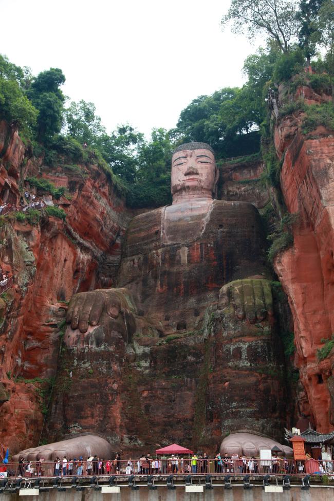 Горы Эмэйшань и большой Будда в Лэшане