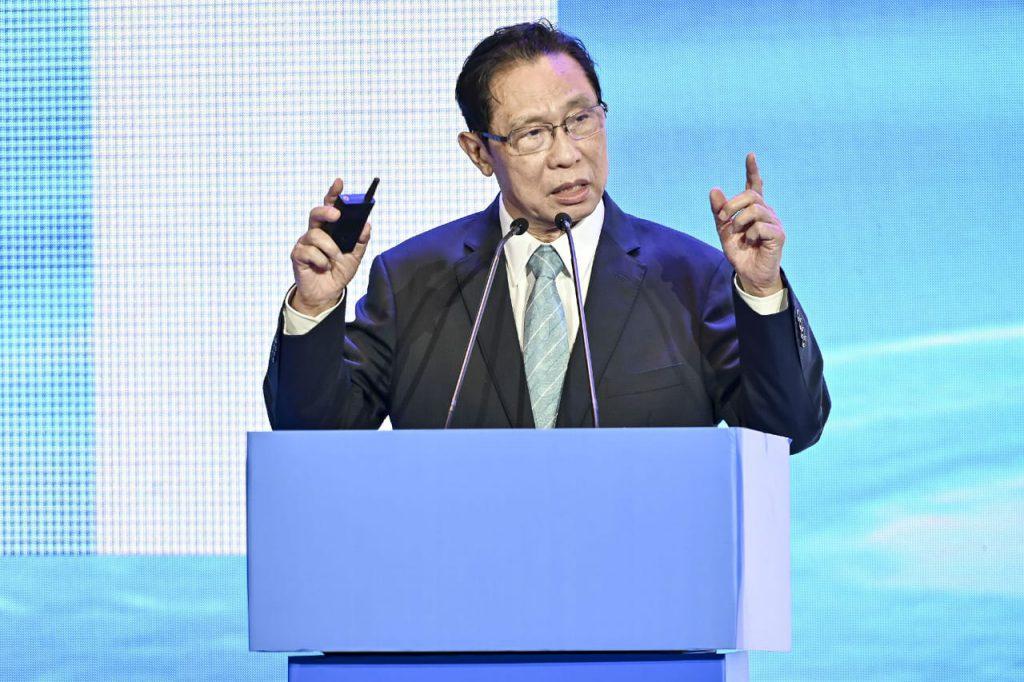 Китайский эксперт: на достижение глобального группового иммунитета к COVID-19 уйдет 2-3 года