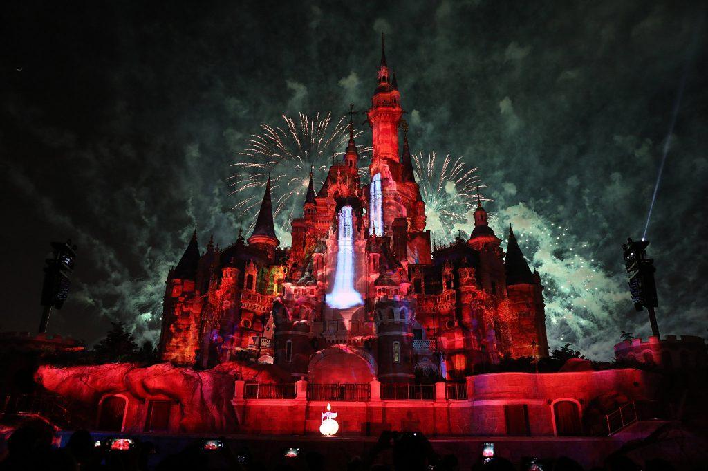 Шанхайский «Диснейленд» отпраздновал свою 5-ю годовщину