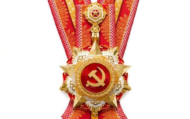 Яркие моменты торжественной церемонии вручения орденов Первого июля