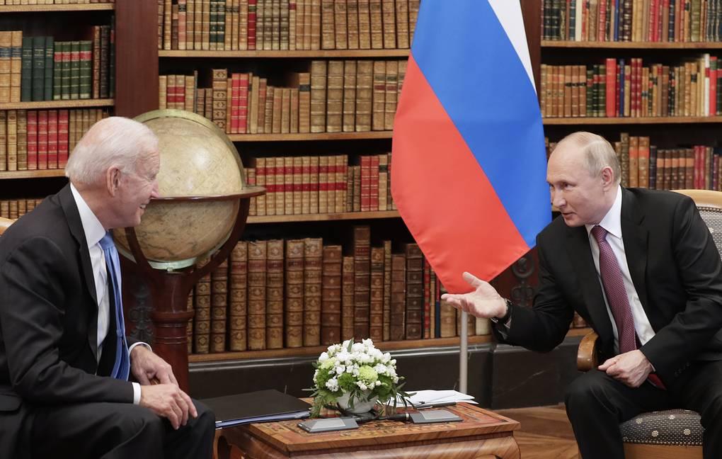 «Зарницы счастья промелькнули»: Путин рассказал о переговорах с Байденом