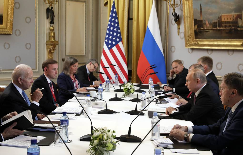 Переговоры Путина и Байдена продолжились в расширенном составе с участием делегаций
