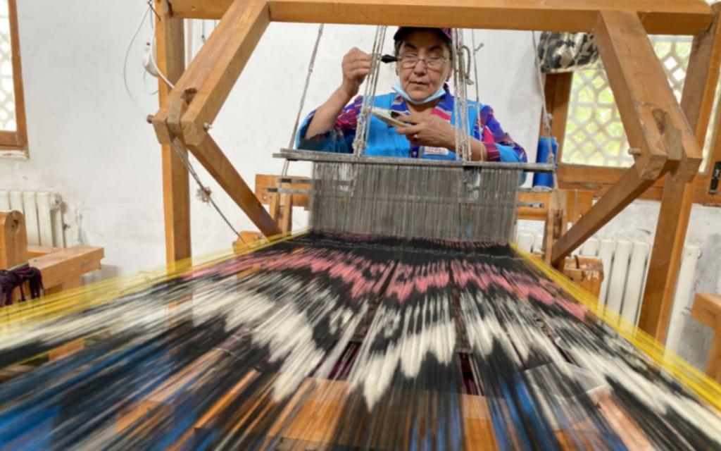 Шелк из Синьцзяна – неповторимые орнаменты, древнейшие технологии