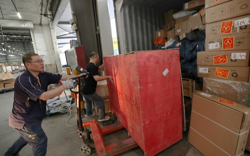 Курьерские службы Китая обработали 6,59 млрд отправлений во время традиционной летней распродажи