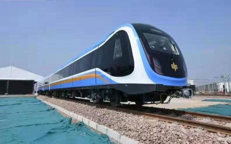 В Чжэнчжоу с производственной линии сошел первый поезд метро китайского стандарта
