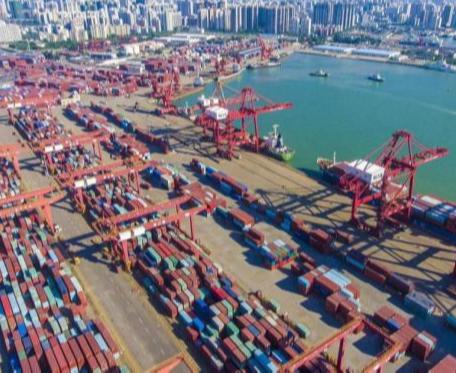 В 2020 году Китай занял первое место в мире по грузообороту портов