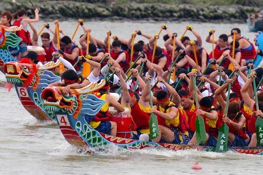 В Китае за 3 дня выходных по случаю праздника Дуаньу (Праздник драконьих лодок)