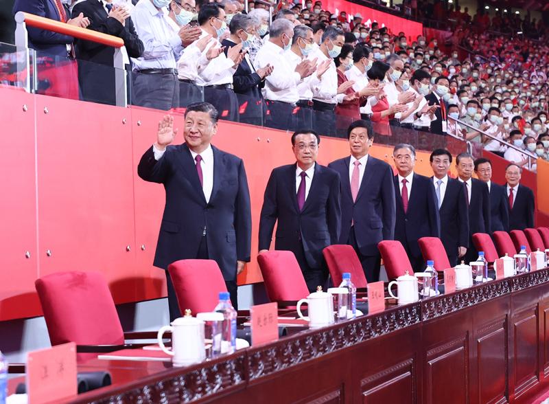 В Пекине прошло театрализованное представление по случаю столетнего юбилея КПК