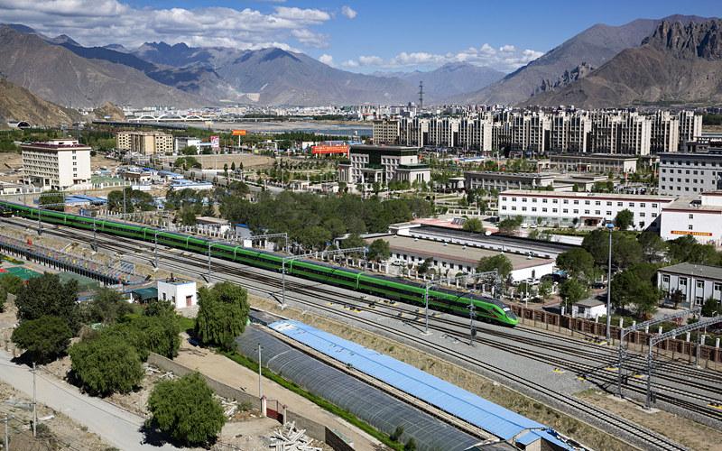 25 июня откроется движение по железной дороге Лхаса — Ньингчи в Тибете