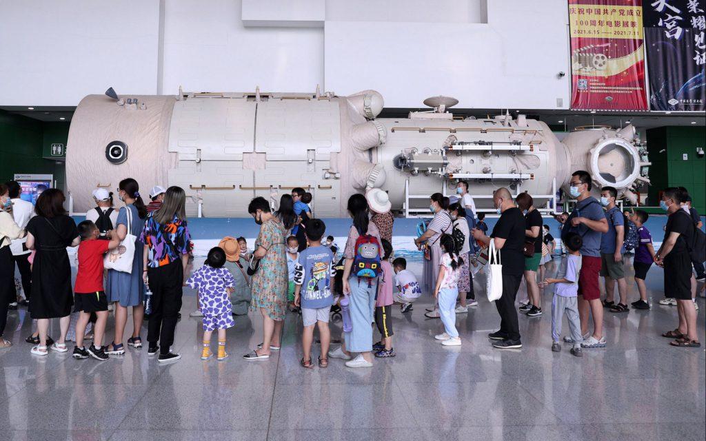 Молодежь активно интересуется успехами китайской космонавтики