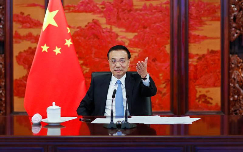 Премьер Госсовета КНР Ли Кэцян провел диалог с лидерами деловых кругов Великобритании