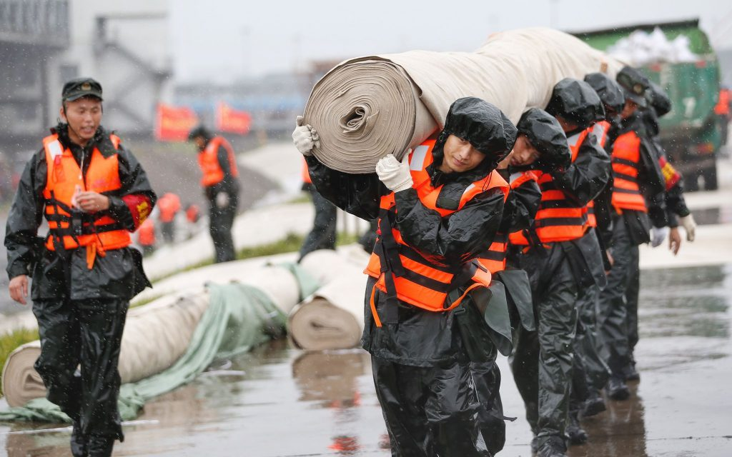 На восточном побережье Китая приняты меры в связи с приближением тайфуна «Ин-Фа»
