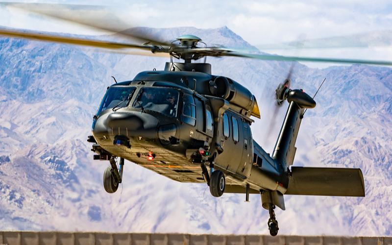 Военные вертолёты доставили в пострадавшую от наводнения провинцию Хэнань более 75 тонн груза