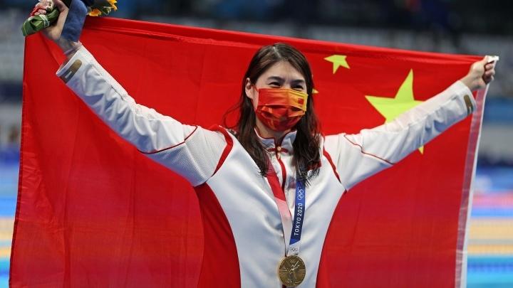 Китаянка Чжан Юйфэй одержала победу на Олимпиаде на дистанции 200 метров баттерфляем, установив новый олимпийский рекорд