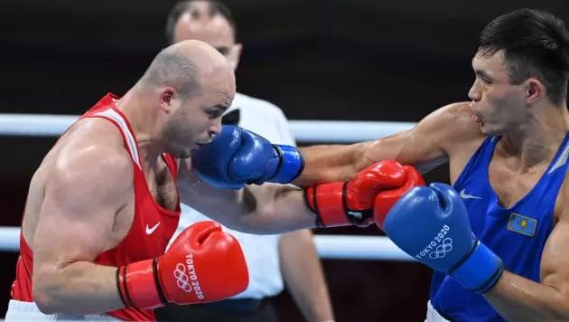 Камшыбек Кункабаев вышел в полуфинал и принес первую медаль в боксе на Олимпиаде-2020 в Токио