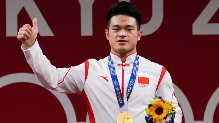 Китайский тяжелоатлет Ши Чжиюн завоевал свое второе олимпийское «золото»