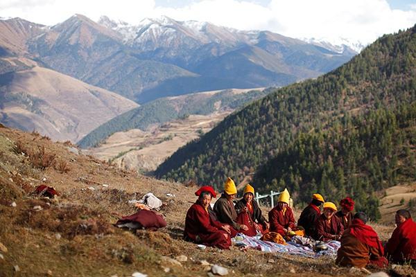 Тибет в период с момента распада Империи Цин в 1912 году до утверждения в Тибете власти Китайской Народной Республики в 1951 году — государство на территории Тибетского нагорья.