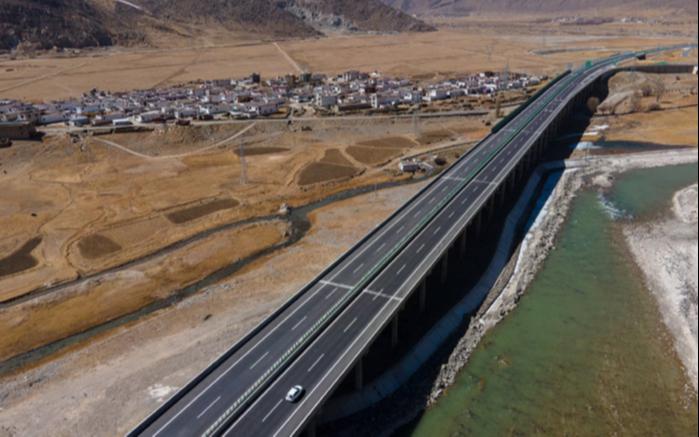 Самая высотная в мире скоростная автомагистраль была введена в эксплуатацию