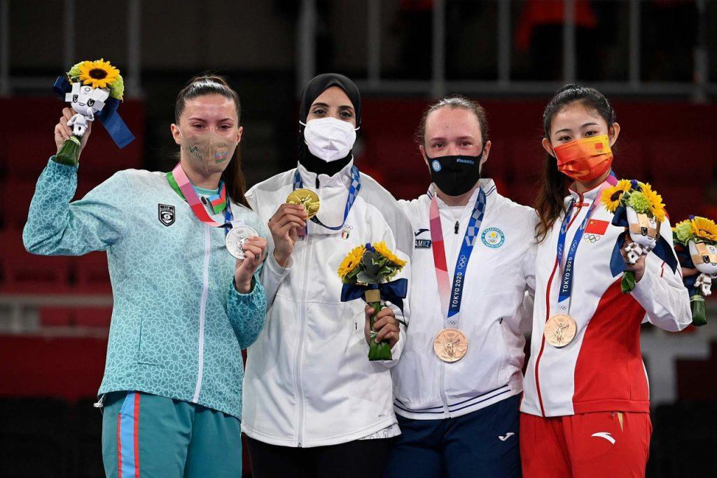 Китайская каратистка Гун Ли завоевала бронзовую медаль