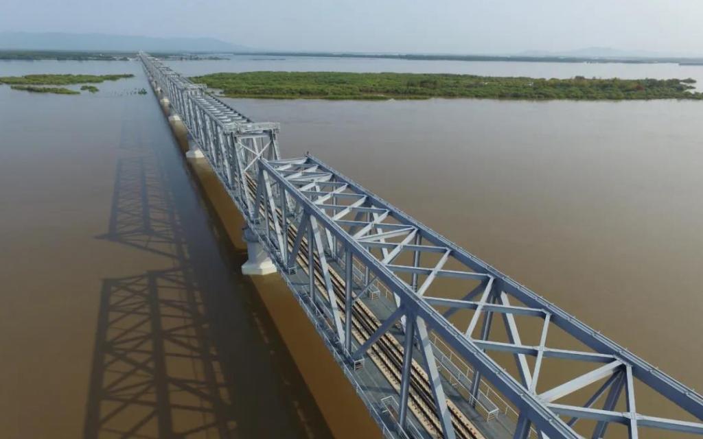 Завершена укладка рельсов на железнодорожном мосту Тунцзян-Нижнеленинское