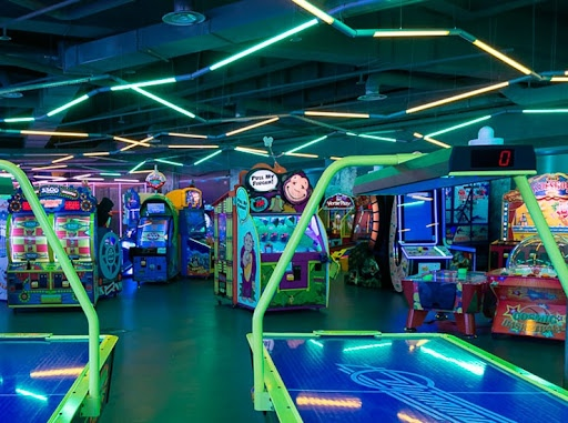 В Смольном рассказали, когда откроют детские центры развлечений