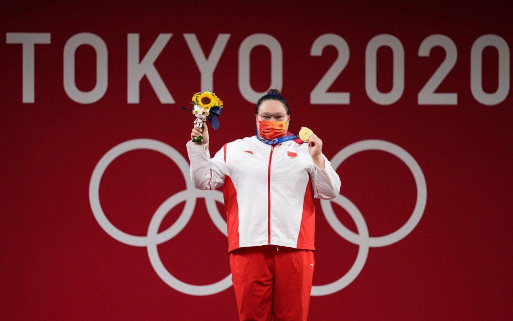 Китайская штангистка Ли Вэньвэнь стала олимпийской чемпионкой в весовой категории свыше 87 кг
