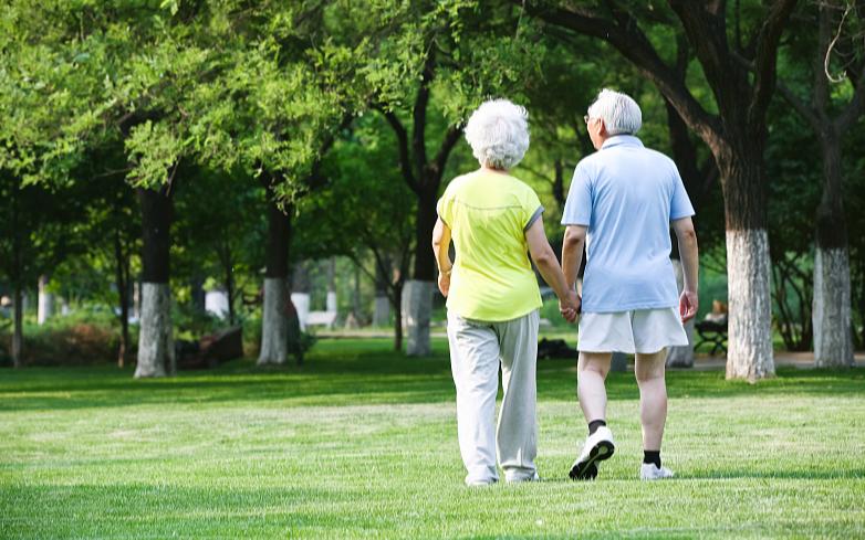 Средняя продолжительность жизни в Китае увеличилась до 77,3 лет