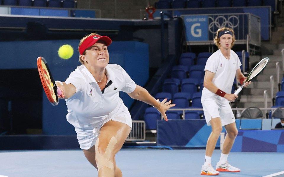 Российские теннисисты впервые в истории взяли золото Олимпиады в миксте