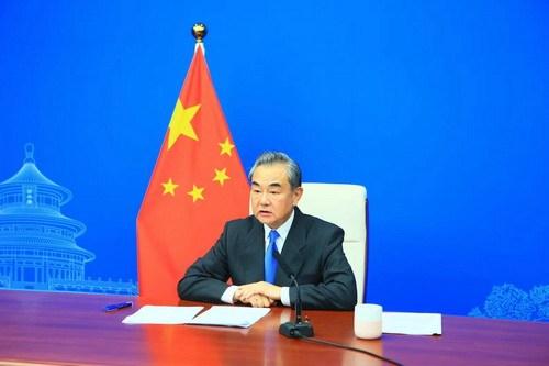 Ван И: Китай будет продвигать инициативу по глобальному развитию со всеми сторонами